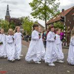 Witte bruidjes in de H. Bloedprocessie Boxtel