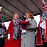 Burgemester van Delft ontvangt sleutel van de Stad