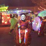 Grusspollen- knallend carnaval op zijn oosters