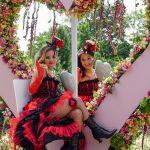 De figuranten hebben er plezier in Flower Parade Rijnsburg